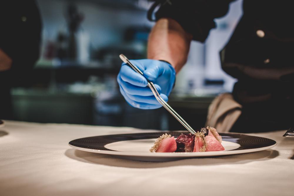 aromi restaurant chef plating