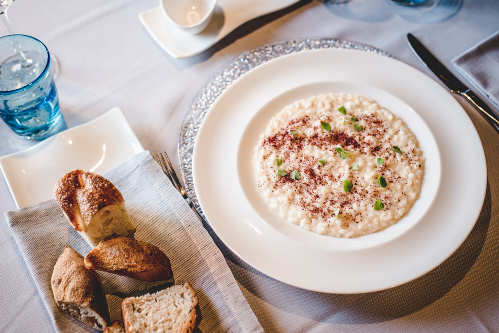 aromi restaurant risotto and bread